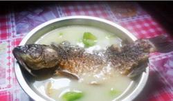 丝瓜鲫鱼汤