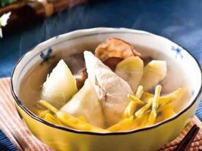 黄耆茯苓鸡汤