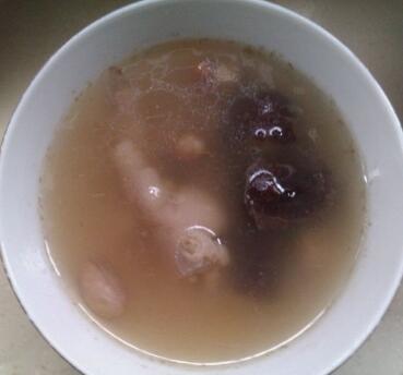 花生红枣凤爪汤