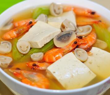 菌菇豆腐清汤