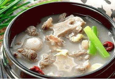蜜果猪蹄汤