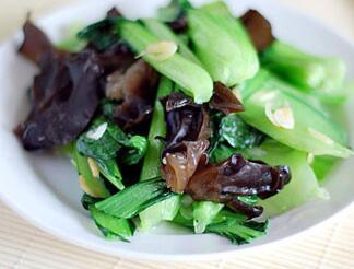 木耳炒油菜