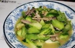 丝瓜熘肉片