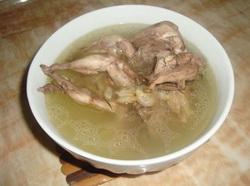 洋参鸽子汤