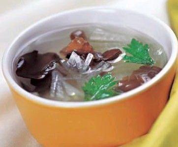 益母草红枣木耳汤做法1