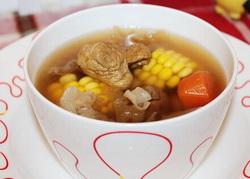 银耳瘦肉汤