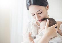 产妇胀奶时的乳房护理